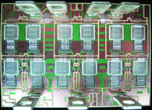 DBC-подложка большой площади (150×80 мм) трехфазного модуля с кристаллами IGBT (350 А/1200 В)