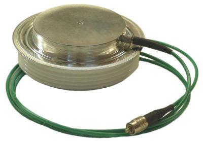 Фототиристор ТФ 253-630 с оптической розеткой на катодном основании с подключенным световодом
