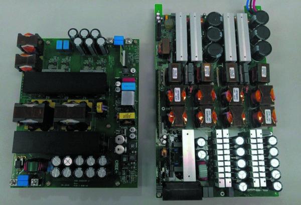 Wolfspeed DC/DC-конвертер мощностью 20 кВт на SiC-приборах (слева) и DC/DC-конвертер мощностью 15 кВт на кремниевых приборах (справа)