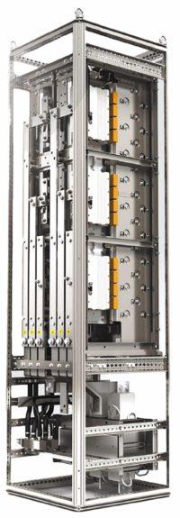 4Q-преобразователь мощностью 2×1,4 МВт с охлаждаемым жидкостью du/dt-фильтром в шкафу 600×600×2000 мм
