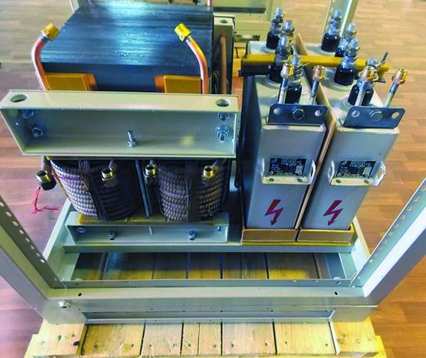 Размещение дросселя постоянного тока и силовых конденсаторов