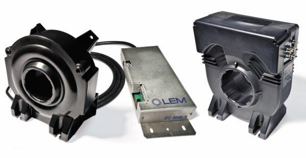 Серия датчиков тока ITC: вариант с модулем обработки сигналов, вынесенным в отдельный корпус (слева), облегчает монтаж датчика под крышей электровоза
