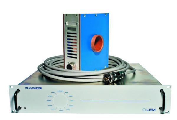 Датчик на 2000 A (ITZ 2000) предыдущего поколения, состоящий из двух частей: 1 — измерительная головка; 2 — управляющая электроника