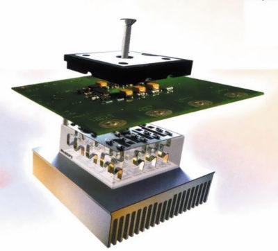 Конструкция инвертора на базе MiniSKiiP: прижимная крышка, интерфейсная плата, силовой модуль, радиатор