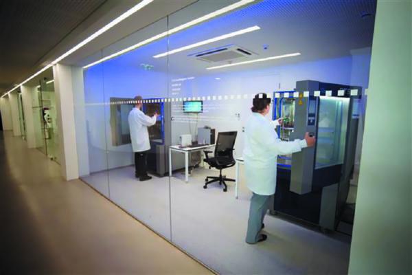 В штаб-квартире в г. Гмунден (Австрия) компания RECOM обладает собственной лабораторией надежности