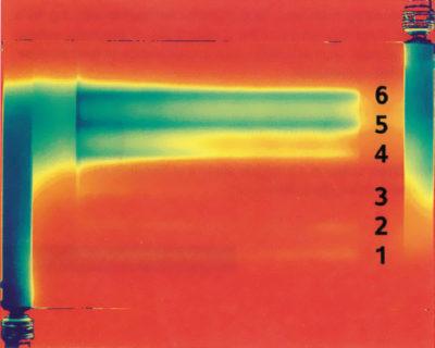 Тепловой профиль радиатора через 5 с после включения системы охлаждения (неоптимизированный фланец). Ясно виден приоритет дальних каналов (5 и 6)