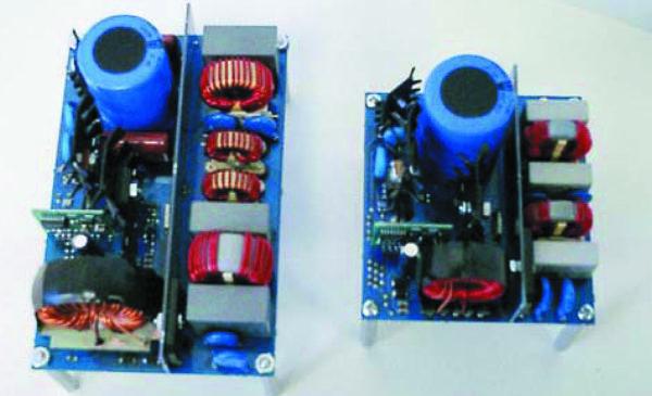 Сравнение габаритов ККМ типа front-end, созданных с применением Si-диодов (слева, частота 80 кГц) и SiC-диодов (справа, частота 200 кГц)