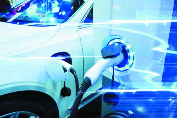 Преобразователи напряжения на зарядных станциях в целях обеспечения безопасности гарантируют необходимый высокий уровень электрической прочности изоляции