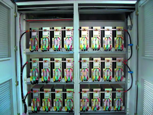 Шкаф инвертора с блоком силовых ячеек