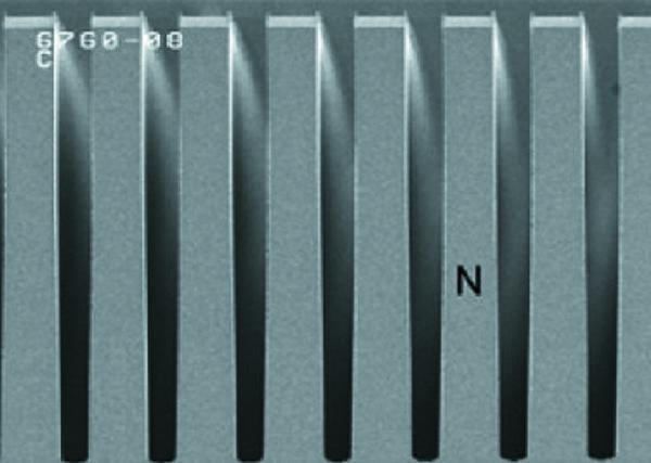 Разработанная Renesas структура с глубокой щелевой изоляцией в разрезе