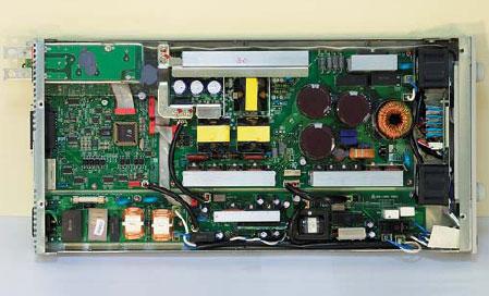 Внешний вид конструкции программируемого ИВЭ GENH30-25 [вид сверку, защитная крышка снята)
